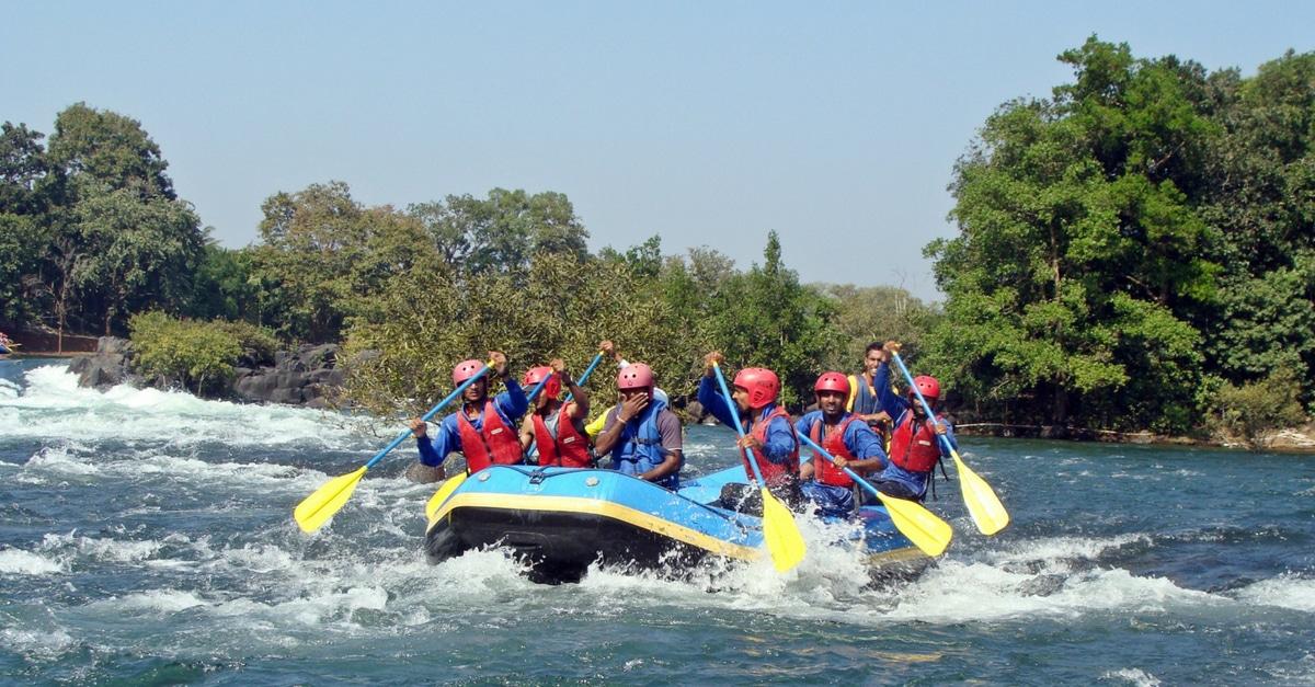 Un'idea di team building: rafting