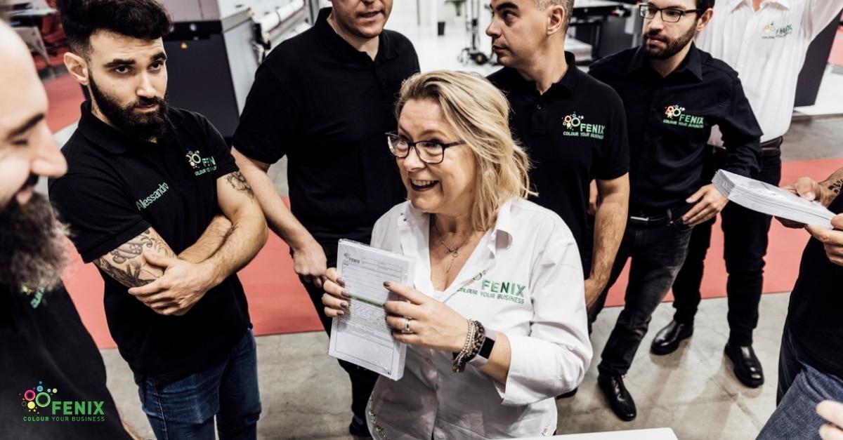 Paola Mortara in riunione con il team tecnico a Viscom Italia 2018