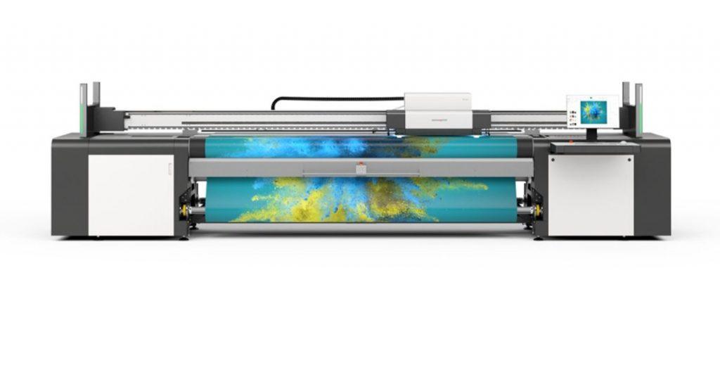 La stampante roll to roll UV swissQprint Karibu