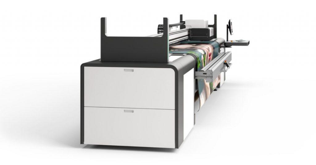 swissQprint Karibu, il sistema di caricamento del materiale è innovativo
