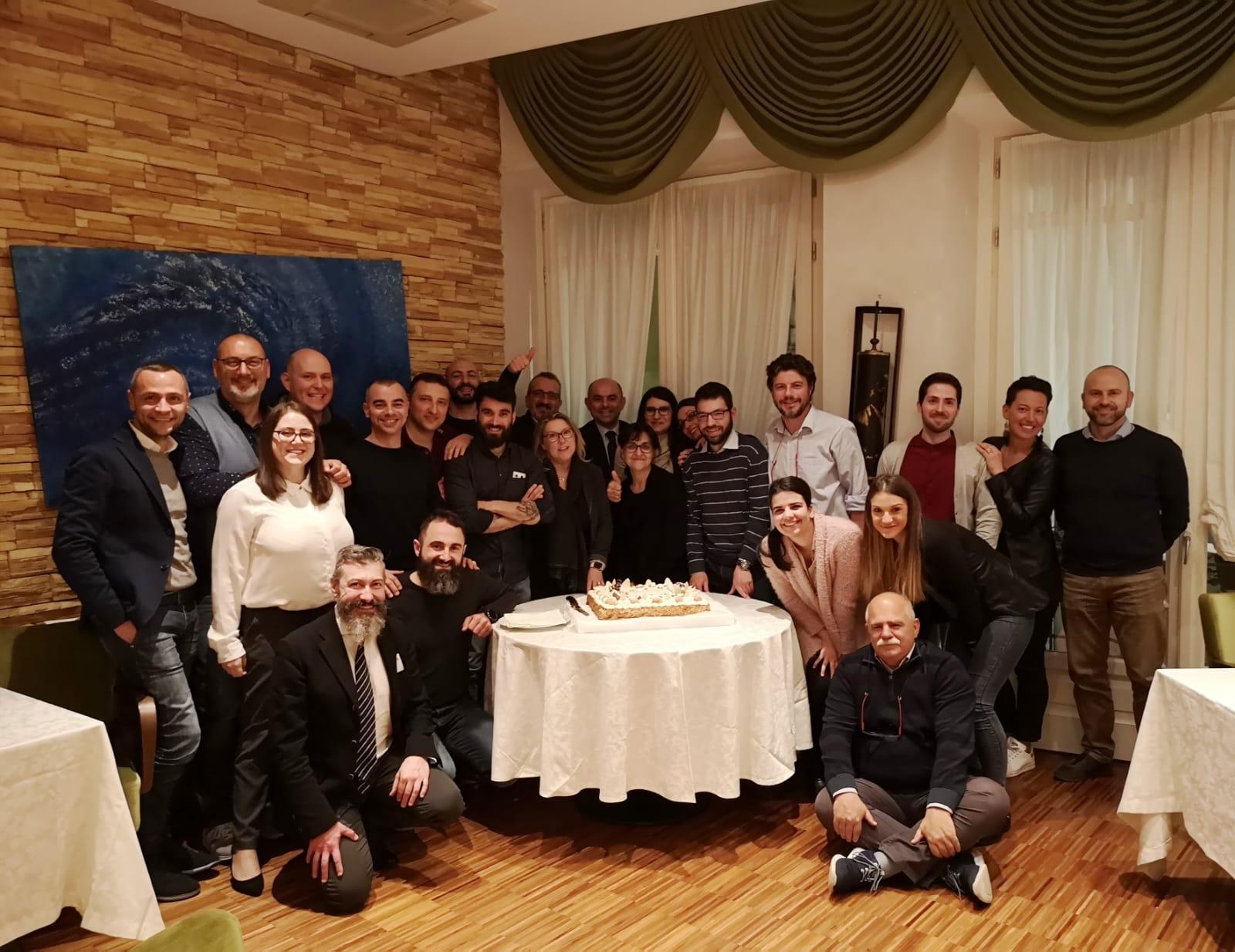 Tutto il team Fenix festeggia i 10 anni dell'azienda